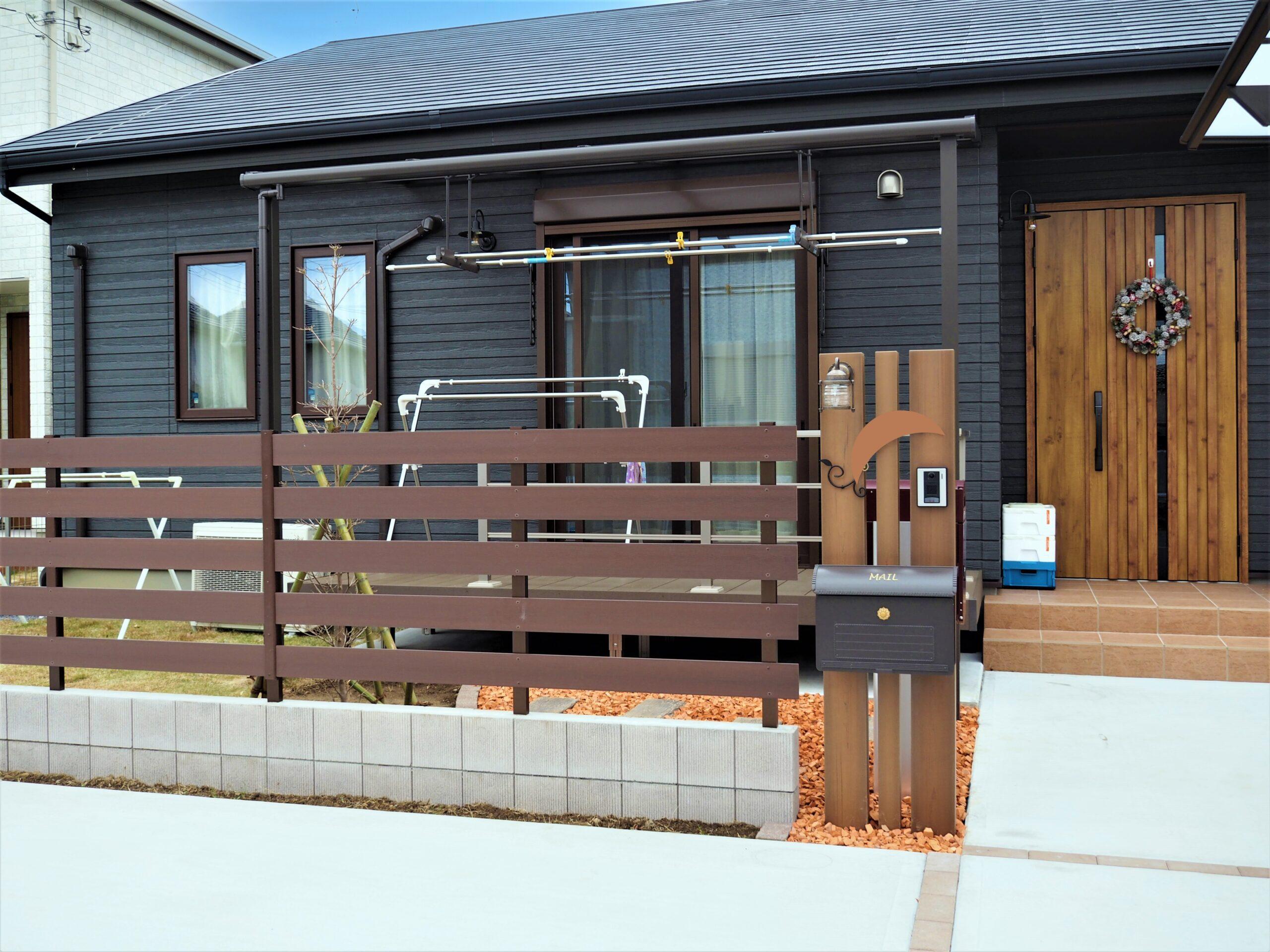 【阿見町 A様邸】目隠し機能と開放的な庭空間を両立させたセミオープンフェンス